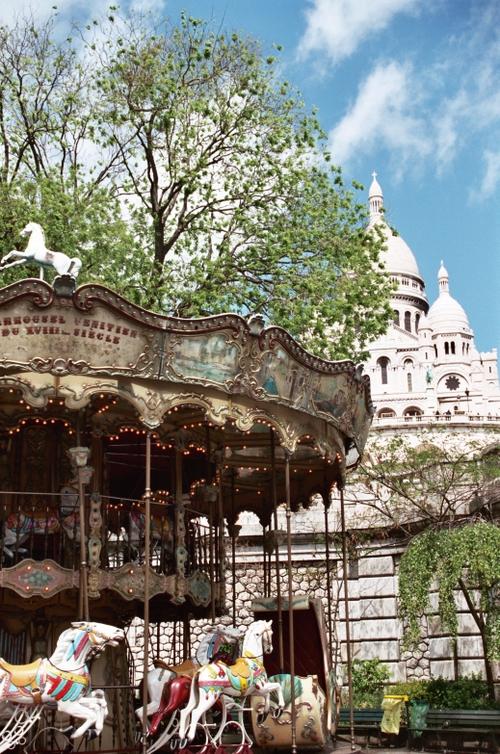 Carrousel near Sacre Coeur